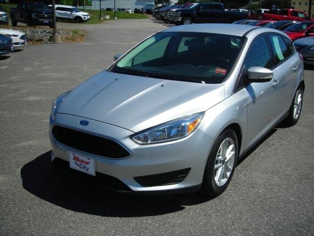 2015 Ford Focus SE FWD Hatchback