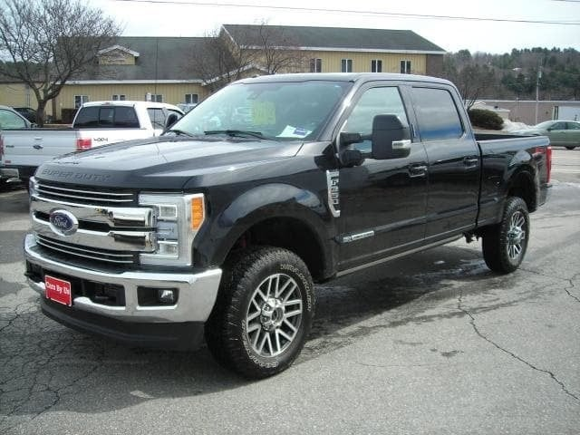 Pre-Owned 2017 Ford Super Duty F-350 SRW Lariat 4WD