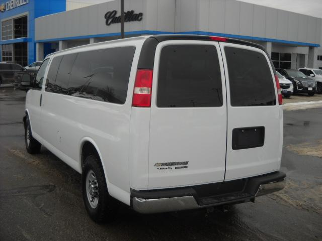 Pre-Owned 2015 Chevrolet Express Passenger LT