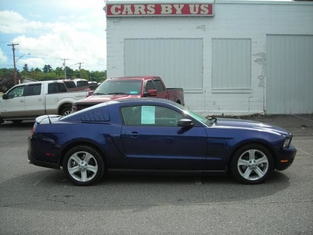 2010 Ford Mustang V6 RWD