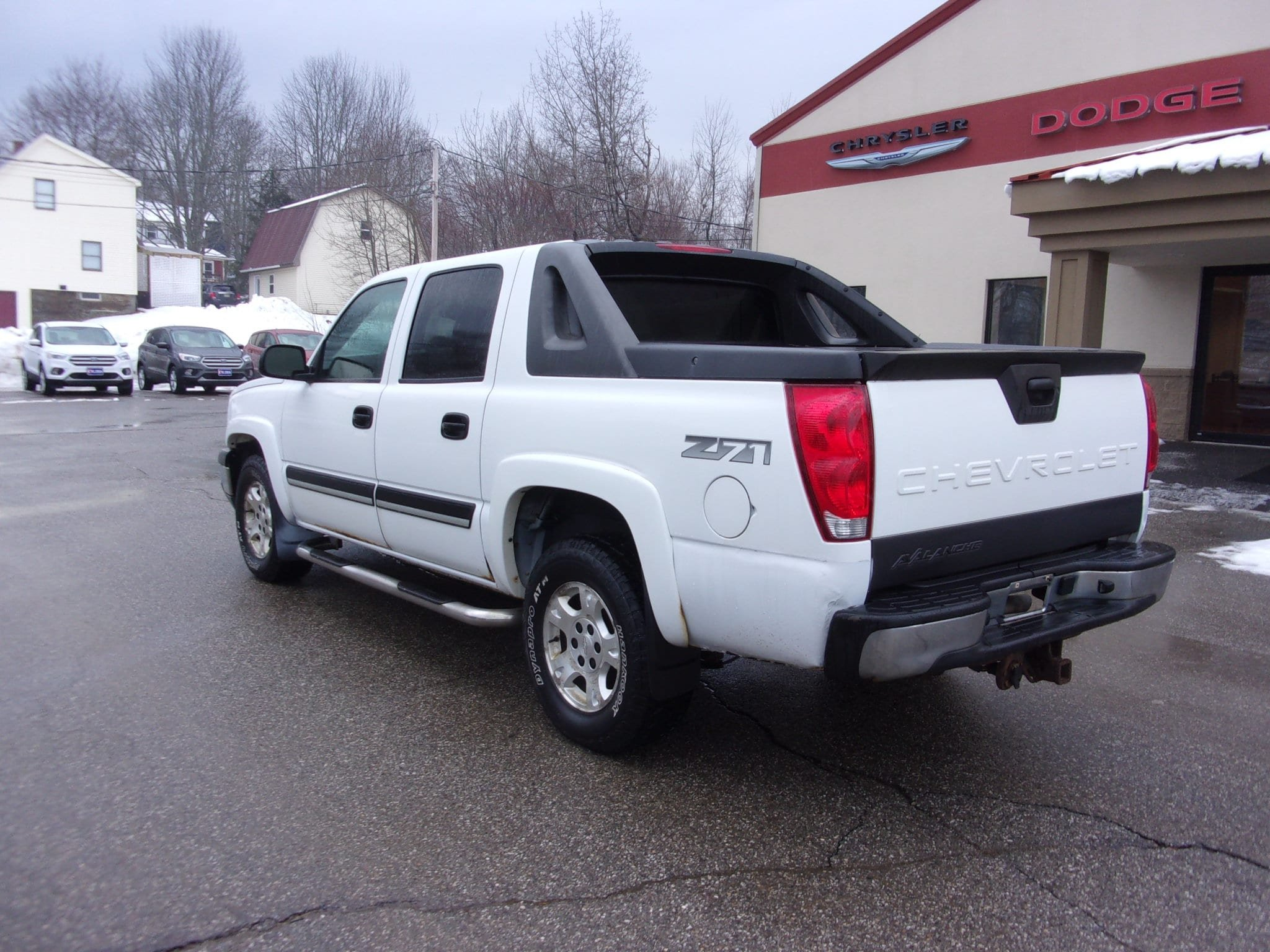 Pre-Owned 2005 Chevrolet Avalanche Z71
