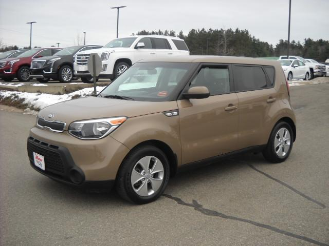 Pre-Owned 2016 Kia Soul Base FWD Hatchback