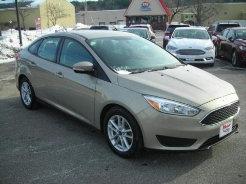 Pre-Owned 2015 Ford Focus SE